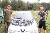 """Футболисти от Хаджидимово """"избиха рибата"""" при първия ловен излет за сезона"""