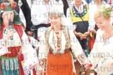 С над 100-г. автентична носия шестокласничка от Разлог спечели първа награда в Жеравна