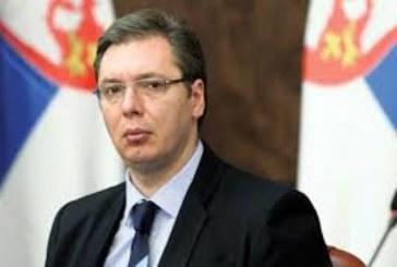 Сръбския президент Александър Вучич катастрофира! Кола се вряза в автомобила му