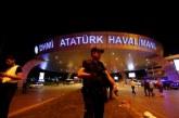 Паника на истанбулско летище! Самолет се разби на пистата