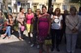 """Мълниеносна реакция! След протести и обвинение: """"За хонорар на Райна пари  има, за нас – не"""", преведоха една заплата на социалните асистенти в Кочериново"""