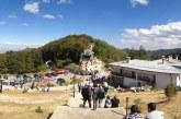 Хиляди вярващи посрещнаха Кръстовден с молитва на Кръстова гора