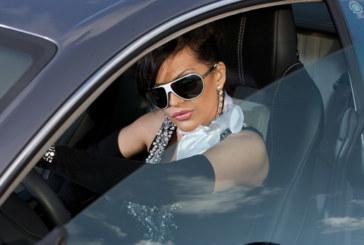 Звезда от класа! Преслава обикаля Америка с луксозна лимузина