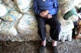 Изверги пребиха и ограбиха възрастен мъж