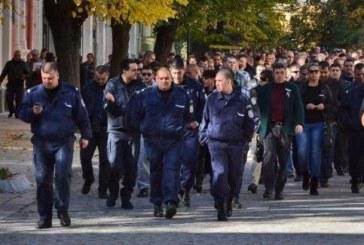 Полицаите отново на протест