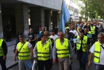 Полицаи пак излизат на протест, искат по-високи заплати
