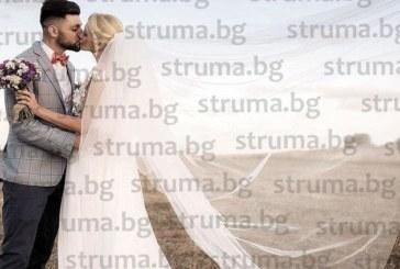 След 10-г. връзка дъщерята на ВМРО лидера Г. Васев се венча на Черноморието, младоженците пристигнаха с лодка за сватбеното тържество