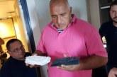Премиерът на научноизследователски кораб, проучва крайбрежната ивица на България