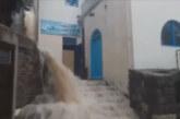 Свирепа буря в Гърция, улици се превърнаха в реки