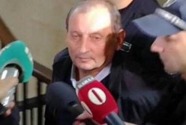 Държавният обвинител: Директорът блудствал с още три момичета
