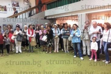 """Счетоводителка в театъра спечели на томбола пано на откриването на Осмата  изложба биенале """"Ангелина и приятели"""""""