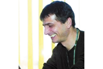 ЕКСКЛУЗИВНО В STRUMA.BG! Екссъпругът на Ани Салич – Бранко откаран с линейка от барчето на КФМ в Благоевград