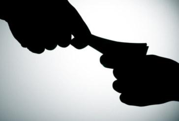 Катаджия поиска подкуп, арестуваха го
