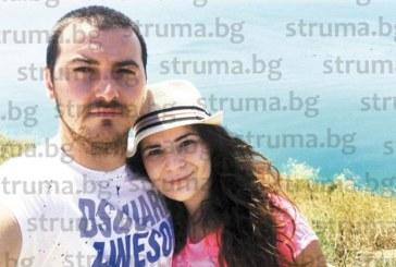 Двама влюбени се сгодиха 25 г. след като поели  първия си дъх в една и съща родилна зала