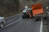 ЗРЕЛИЩНО МЕЛЕ! 5 коли и камион във верижен сблъсък