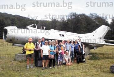 Разграбена хижа и паркиран отпред изтребител МиГ-9 впечатлиха кюстендилски планинари при поход в Средна гора