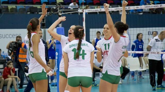 Волейболна победа! Националките ни победиха Украйна