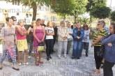 60 социални асистенти в община Кочериново 2 м. без заплати, изригнаха гневно: С нашите пари кметът ще плати хонорар на Райна да пее на събора