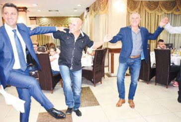 """Дългогодишният танцьор в ансамбъл """"Пирин"""", хореографът К. Бельов, празнува 50-г. юбилей"""
