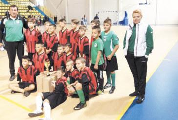 """Благоевградските """"Хлапета"""" вицешампиони, най-малките орлета непобедими"""