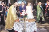 Синът Симеон на гимназиалната шефка Д. Иванова заведе пред олтара годеницата си Катерина година след като й поиска ръката пред двореца на кралицата във Виена