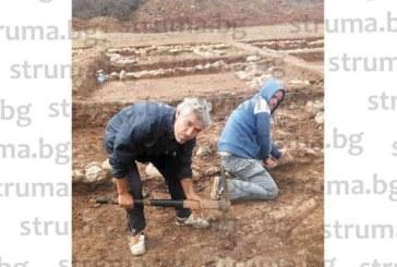 """Бивш иманяр се запали по археологията, от 4 г. работи на разкопките по трасето на АМ """"Струма"""""""