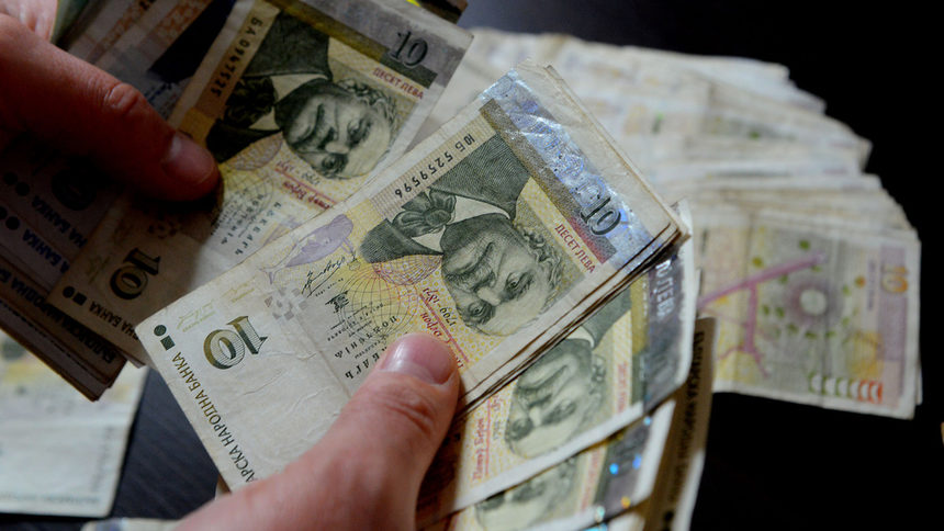 След 9 месеца чакане тютюнджиите от Неврокопско започнаха да получават парите за миналогодишната реколта