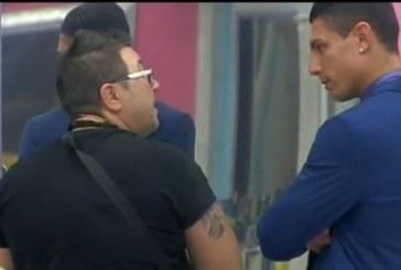 Трус в Къщата! Шеф Петров към Роналдо: Ще те поря, ще те изнасилват!