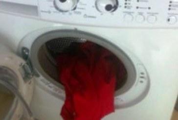 Слагате това хапче в пералнята и дрехите ще станат като нови – ярки цветове!
