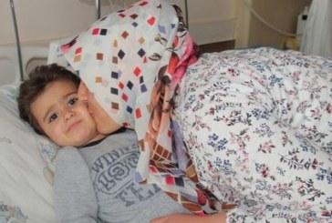 Българин спаси давещо се бебе в Турция, обявиха го за герой