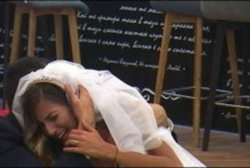Сълзите на Алекс Богданска не секнаха и след първата брачна нощ!