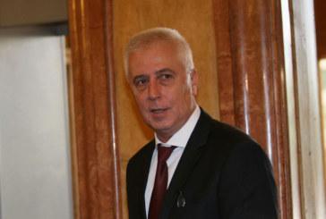 Трагедия! Министър Петров се притече на помощ на припаднал мъж, по-късно той издъхна