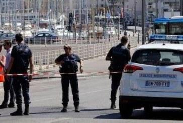 """Кървав терор в Марсилия! Фанатик изкрещя """"Аллах акбар"""" и уби две жени"""