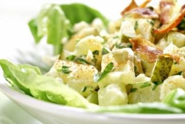 Картофена салата с бекон и краставички