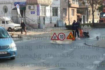 Фотоокото на struma.bg видя! Огромно задръстване в час пик в Гоце Делчев, затвориха пътя към автогарата