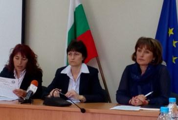 Трудовите инспектори в Пиринско наказаха с 29 акта за месец некоректни фирми, 66 семейства губят помощи за отсъствия на децата от училище
