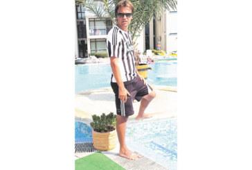 """ИСКАМ ДУМАТА! Отстраненият от ДЮШ на ОФК """"Пирин"""" Ат. Николов: Не съм пропуснал тренировка, нямам нито едно закъснение, от юли не са ми плащали"""