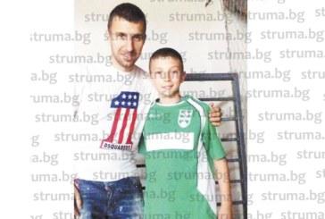 """13-и рожден ден чества със съотборниците от ОФК """"Пирин"""" бъдещата футболна звезда Р. Чергарски"""