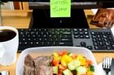 Храните, които трябва да избягваме в офиса