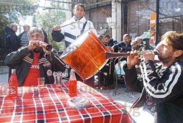 """Симпатягите от оркестър """"Малеш"""" не пускат зурните, свирят за кеф"""