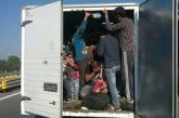 Арестуваха българин в Австрия, превозвал мигранти