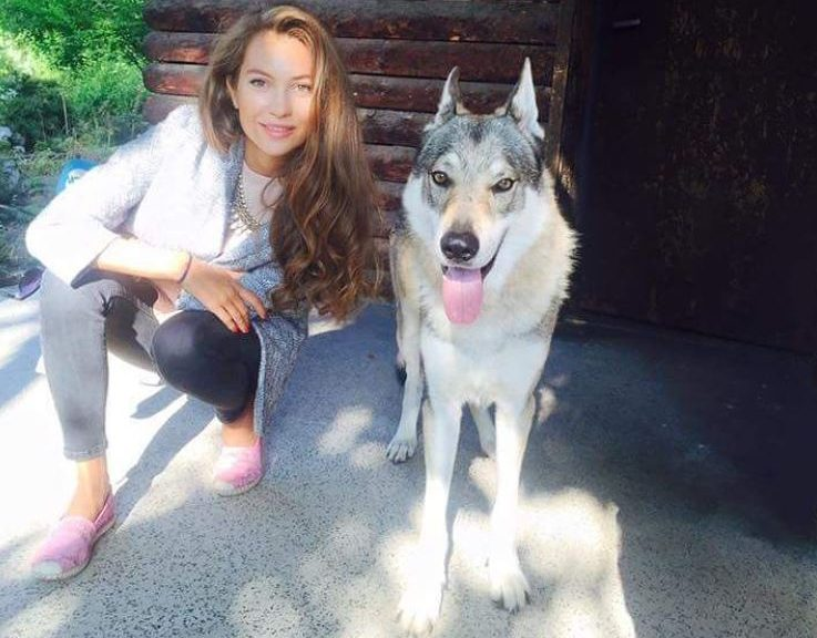 Никол Станкулова с нов домашен любимец - вълк