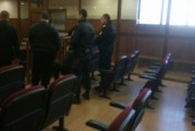 Задържаните за наркотици полицаи остават в ареста