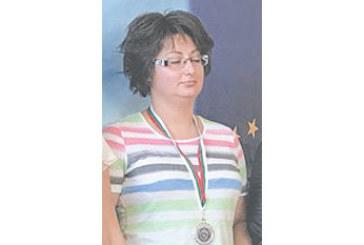 Благоевградска полицайка втора на републикански турнир по стрелба за служители на МВР