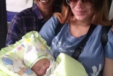 Българче се роди на остров Бали, докато вулканът Агунг изригва