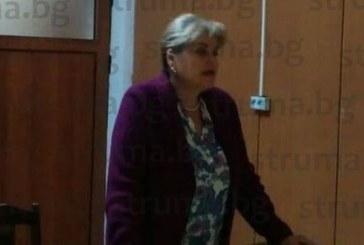 Кметицата на с. Баня М. Юрганчева пред съселяните си: Безстопанствено пуснати коне, бездомни кучета и инфраструктурата са основните проблеми на курорта
