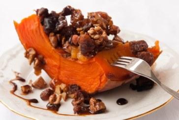 Пълнена тиква със сушени плодове