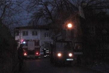 Дърво падна върху къща в Благоевград, районът между НХГ и стадиона БЕЗ ТОК