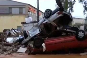 Ужасът в Гърция продължава! Метеоролозите прогнозират още валежи през уикенда
