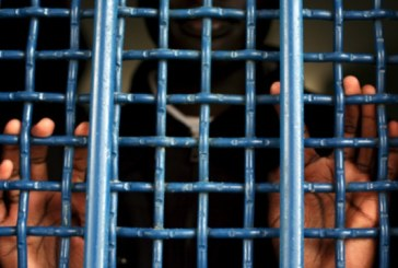 Затворник отиде на погребението на баща си, но видя младо момиче и пред очите му притъмня
